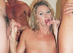 Transsexual Prostitutes #10, Escena 4