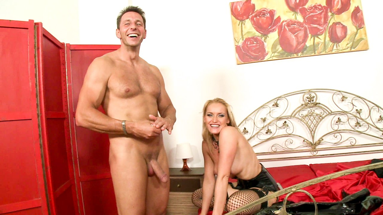 Screenshot 1 from the David Perry's Assfucked MILFs #2