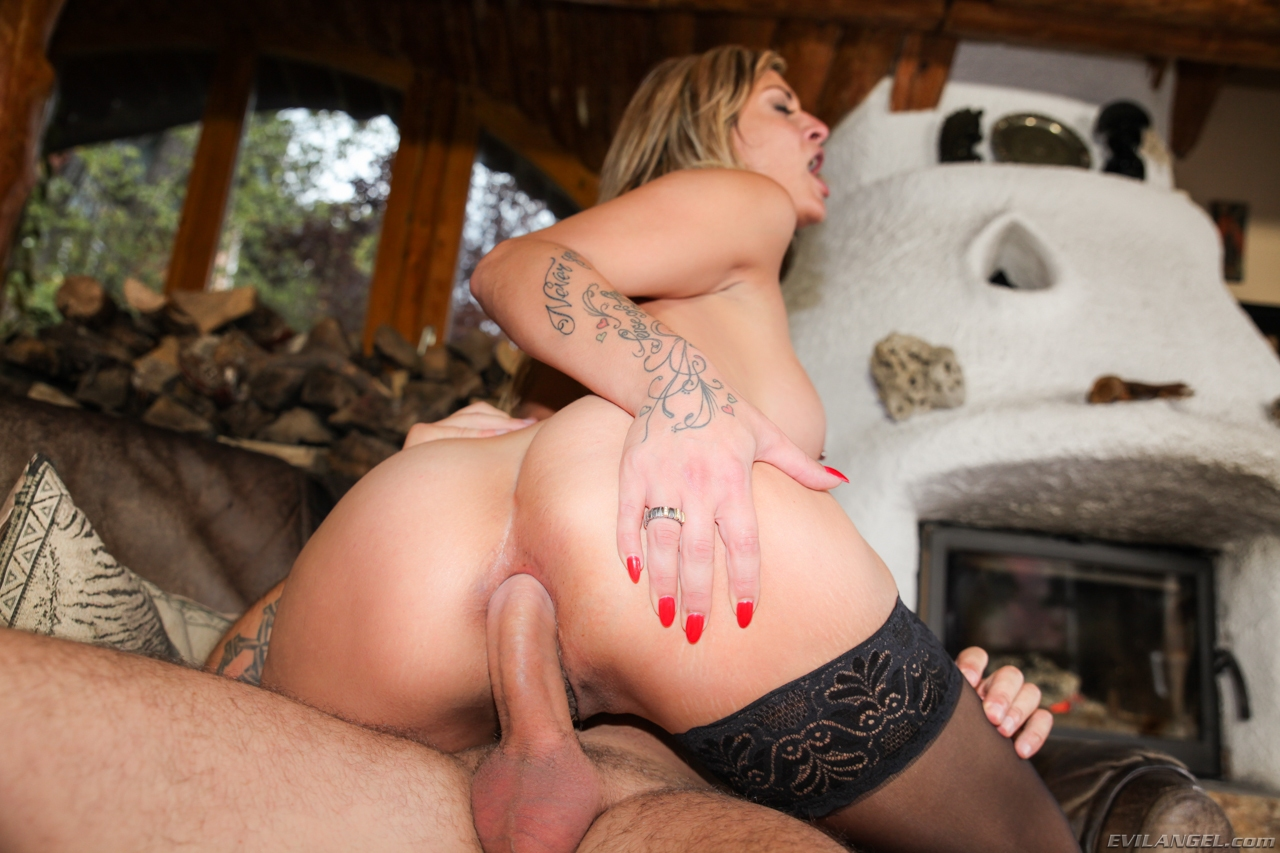 Assfucked MILFs #4 (2013)