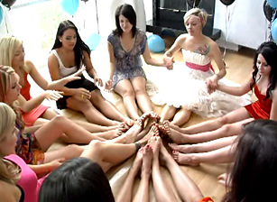 Party of Feet Escena 2