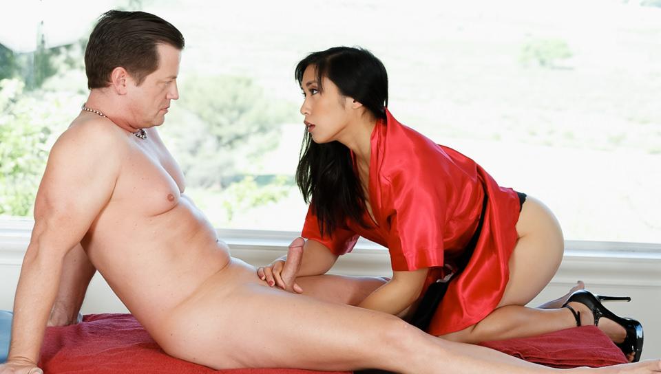 Strip Mall Asian Massage, Scene #01