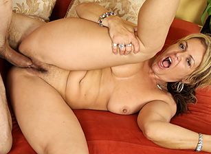 Your Mom's Hairy Pussy #08, Scene #01