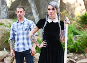 Very Adult Wednesday Addams - La
