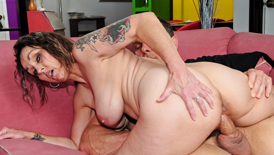 brunette granny gets horny - Inked punk grandma - flexible hairy bitch
