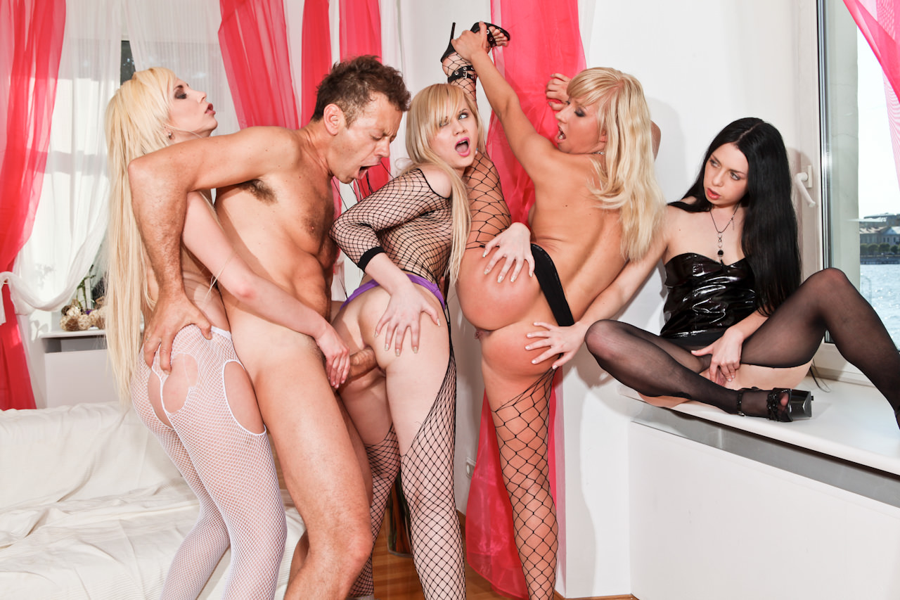 Смотреть порно rocco онлайн бесплатно 22 фотография