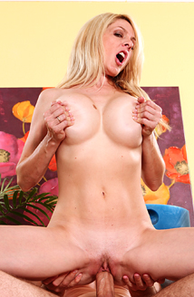That Cougar Fucks Like An Animal #02 Picture