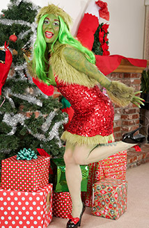 Mean Green Grinch Queen Picture